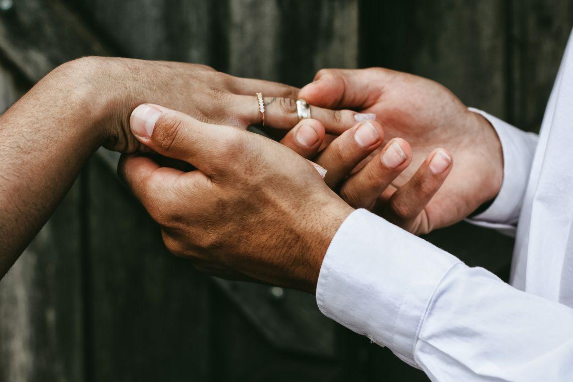 Poate o relație să reușească dacă un partener este mult mai în vârstă?