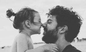 Tată, ești atât de important! Semnat, o fiică.